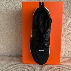 Nike Shoes - Nike Legend React Sneakers